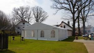 Svatba venku s Party stany Etimex v areálu Šejdorfského mlýna